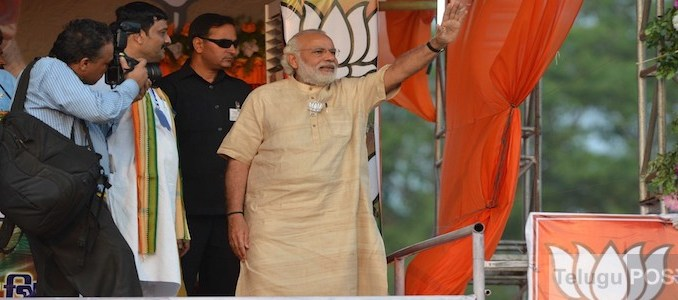 Kharagpur: Prime Minister Narendra Modi during a public meeting in Kharagpur on March 27, 2016.