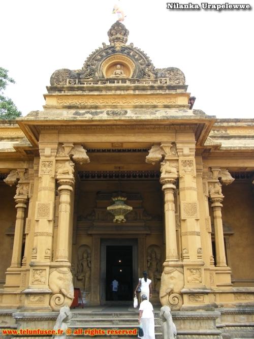 nilanka-urapelewwe-blog-voyage-sri-lanka-kelaniya-temple-travel-blog-telunfusee-9