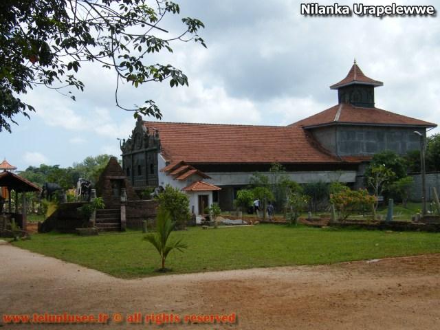 nilanka-urapelewwe-blog-voyage-sri-lanka-pannipitiya-devram-vehara-temple-travel-blog-telunfusee-08