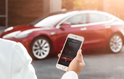 """""""Peinlich spät"""": Endlich kommt die Zwei-Faktor-Authentifizierung für die Tesla-App"""