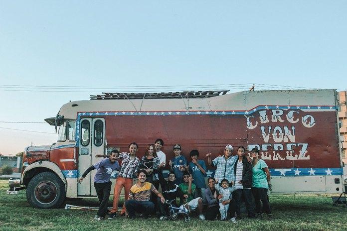 Voluntariado no Circo Von Perez. Um circo social que faz apresentações em regiões de alta vulnerabilidade social na Argentina.