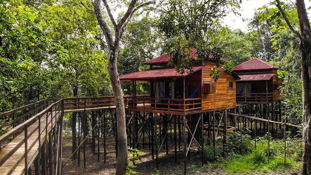 Manati Lodge é um pequeno e charmoso hotel sustentável na Amazônia