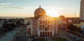 Onde ficar em Manaus: uma das melhores escolhas é se hospedar próximo ao teatro amazonas