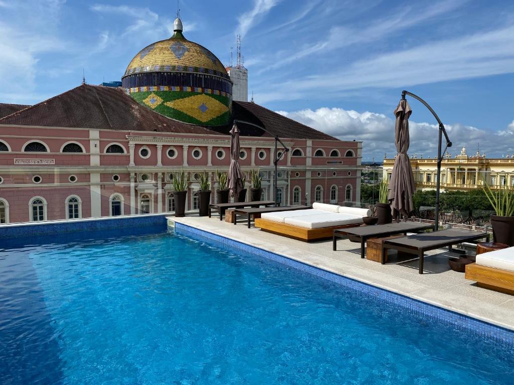 piscina do Juma Ópera - vista previlegiada do teatro amazonas