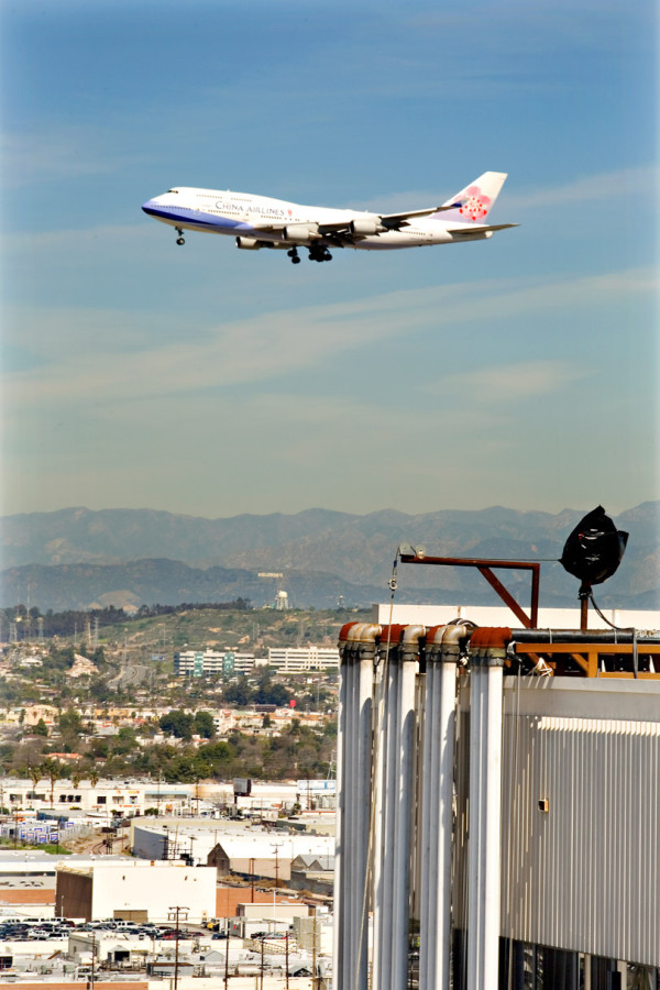 Temporary-cooling-project-at-LAX
