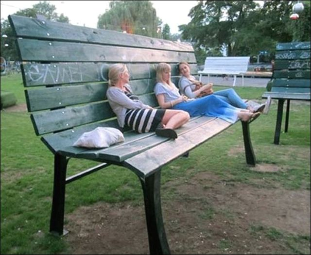 the_oddest_public_benches_in_the_world_640_24