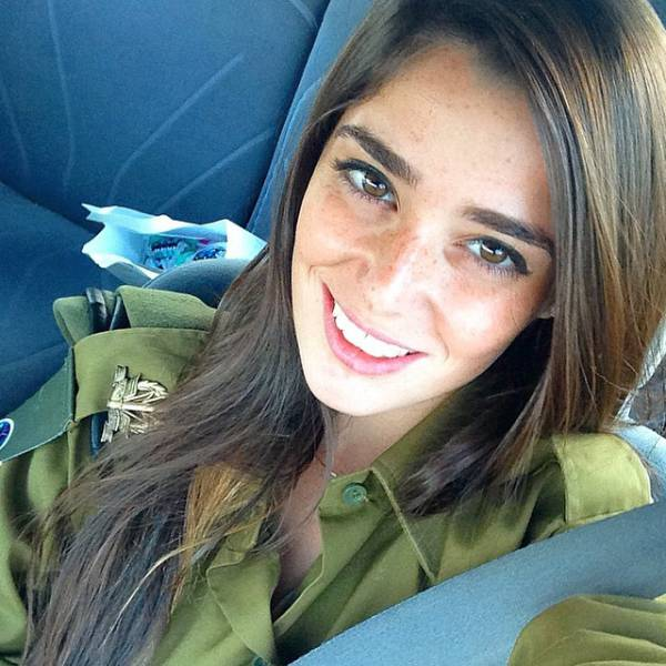 israeli_army_girls_that_are_real_beauties_in_uniform_640_09