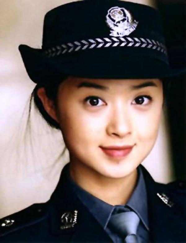 beautiful-female-police-officers10