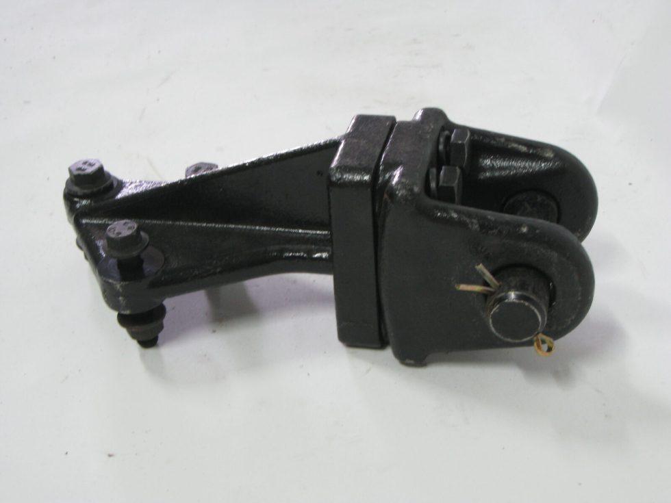 28ZX288-05043-Z Кронштейн передней буксировочной петли левый
