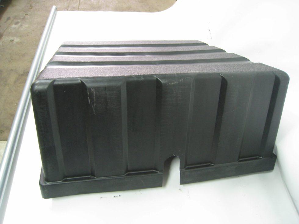 3703310-T25F0 Крышка аккумуляторного ящика Евро-4