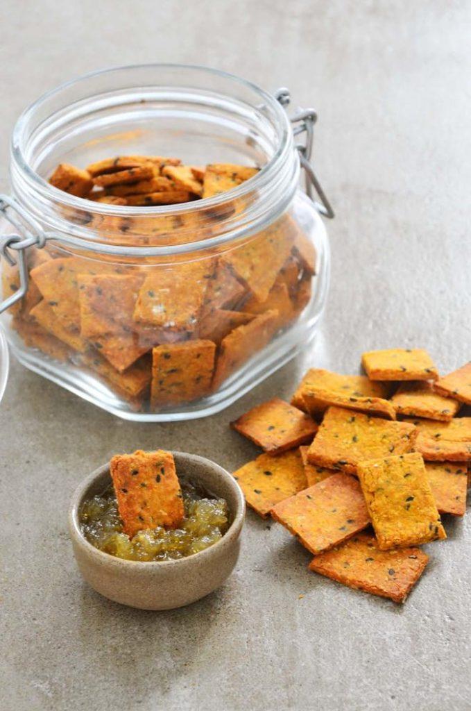 Cracker com geleia de pimenta