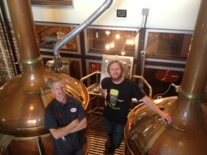 Head brewer, Kevin Roark (L)
