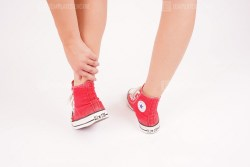 Ankle pain in sport sneakers