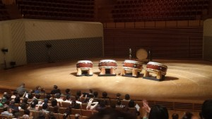 I can't even begin to imagine playing a drum that big O_O