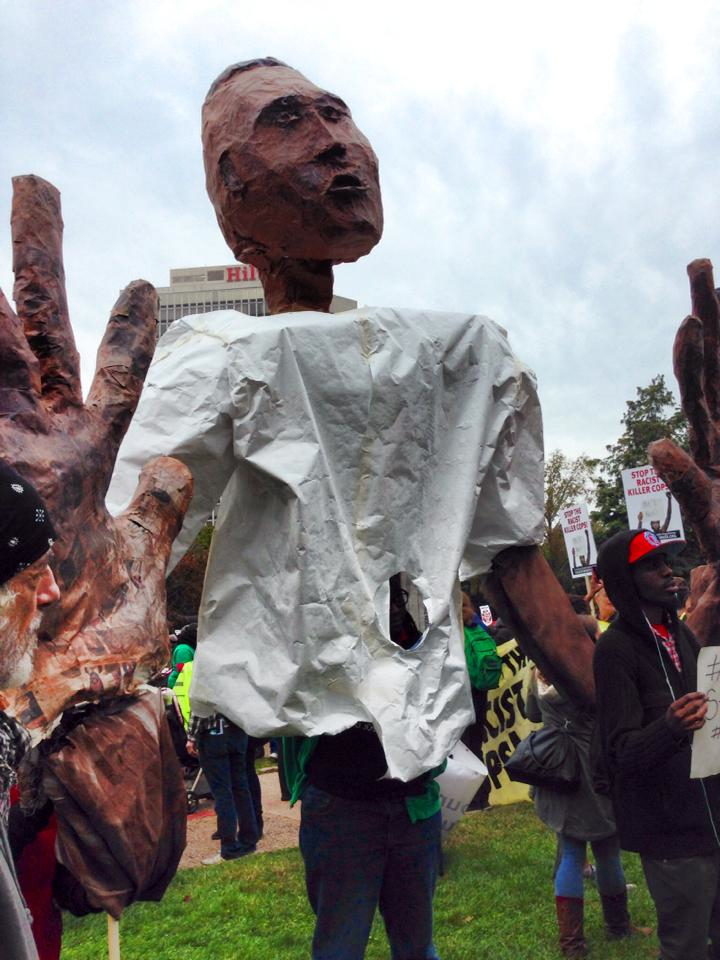 Gigante paper-maché puppet representing Mike Brown