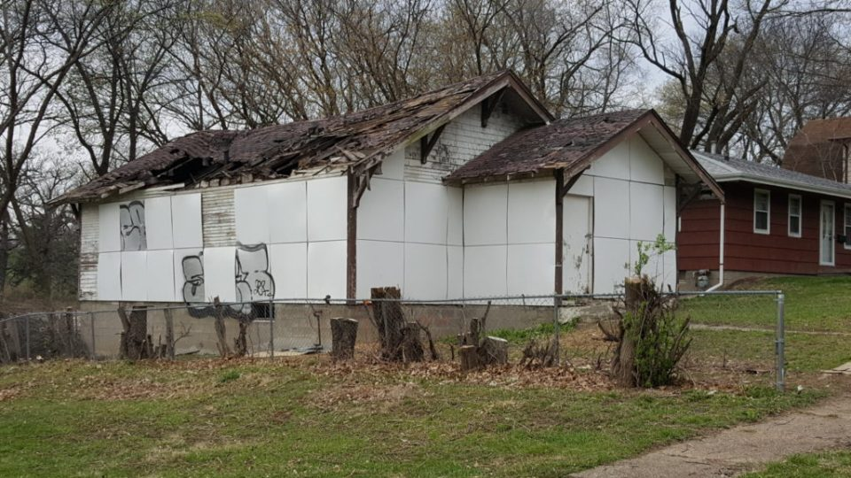 Jordan Weber, Trap House (Richard Meier), 2016-Ongoing. House, metal panels, enamel