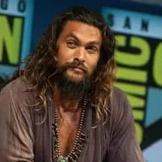 attacco hacker account instagram di jason momoa