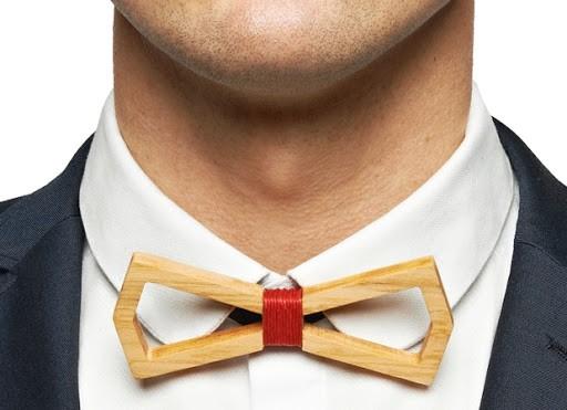 Man wearing a wooden bowtie