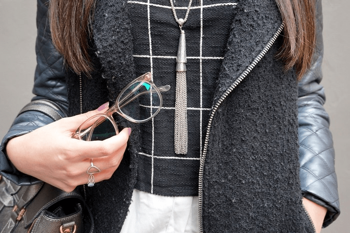 look-back-to-black-zoom-collier