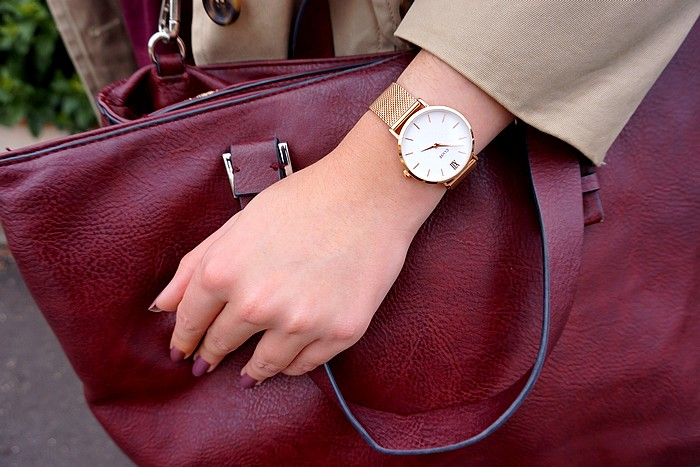look-trench-beige-zoom-montre-cluse
