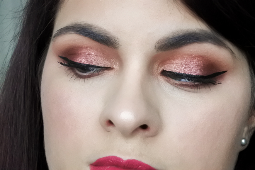 Tutoriel • Luminous Burgundy avec la Desert Dusk