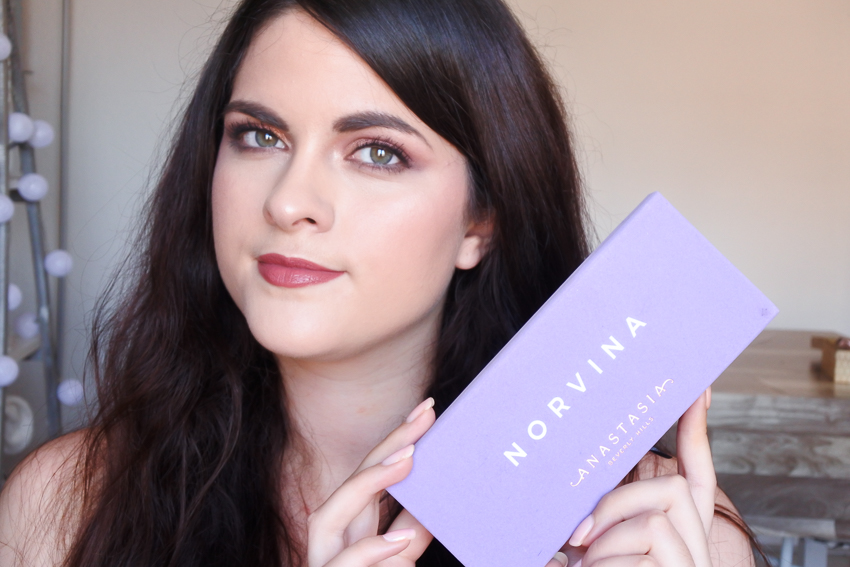 Tutoriel • Irisé intense avec la Norvina d'Anastasia Beverly Hills