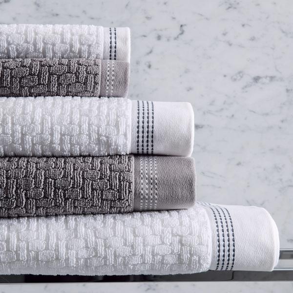 serviettes de bain assorties