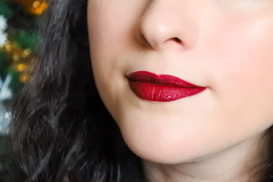 rouge a levres rouge metallique