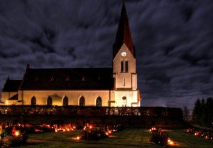 Alla_helgons_dag_vid_Röke_kyrka-1