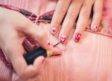Por qué evitar el esmalte de uñas al menos durante un tiempo 0