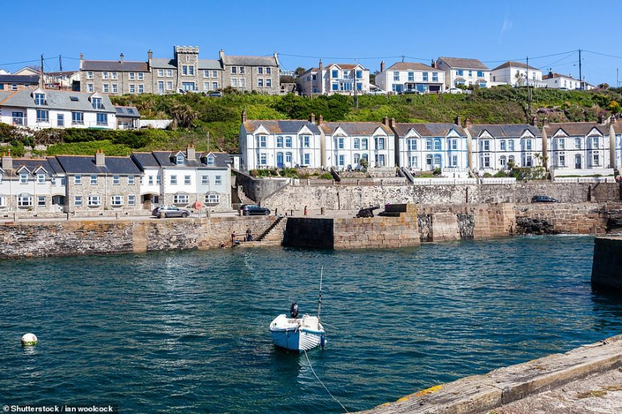 Tregoose Farmhouse, just outside Porthleven in Cornwall, sleeps 12 and is ideal for a multi-generational break