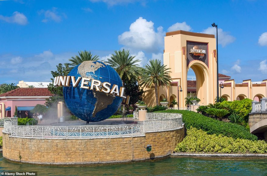 Enjoy a classic U.S. road trip around the Sunshine State for three weeks, it's a fantastic family adventure, dropping by in Miami, the Florida Keys and Orlando — for the theme parks, of course