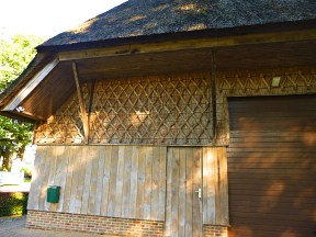fancy thatch pattern work on barn