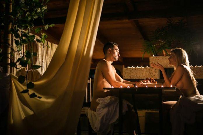 Immagine Facebook di Innato Tenerife, il primo ristorante nudista della Spagna