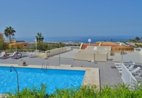 2  Bed Converted apartment with Sea Views for sale in Parque Cristina Torviscas Alto. 187,000€