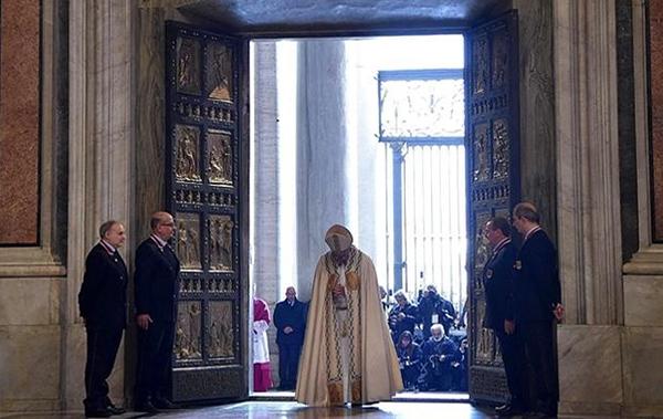 Se abre la Puerta Santa de la Misericordia