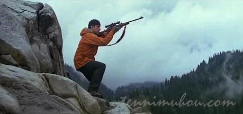 鹿を狙うマイケル