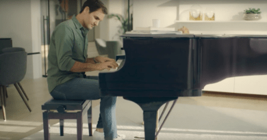 Roger Federer playing The Piano to surprise his wife