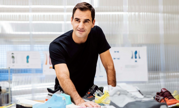 Roger Federer gives an update about the second Knee injury