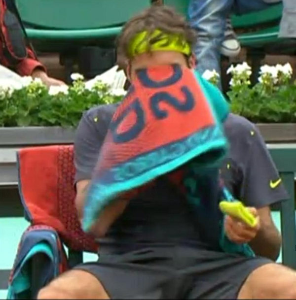 Roger Federer bulge David Goffin match Roland Garros gray clothes kit French Open screencaps pictures photos images