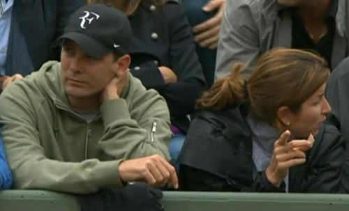 Paul Annacone Mirka Federer Roger Goffin match eating bored screencaps pictures photos