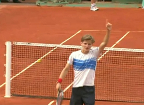 David Goffin pointing finger number one Roger Federer match French Open winning shot rally images photos pictures