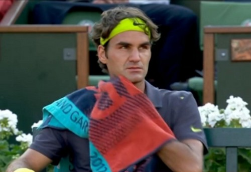 Roger Federer angry look Fed Roland Garros French Open towel green headband eyes pictures photos images screencaps