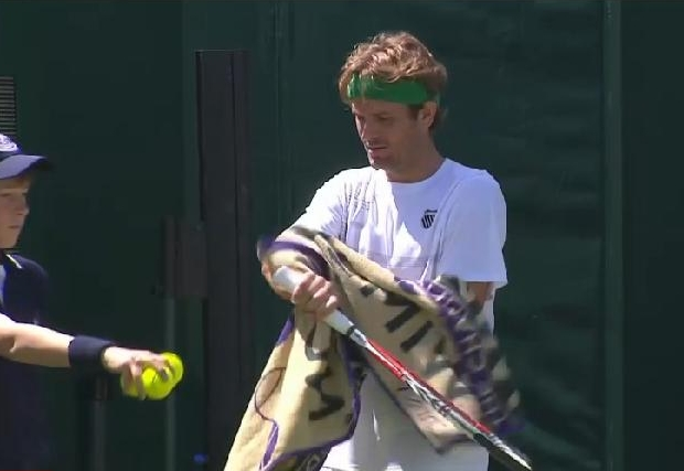 Mardy Fish racquet green headband white kit Wimbledon towel tennis balls images pictures photos screencaps