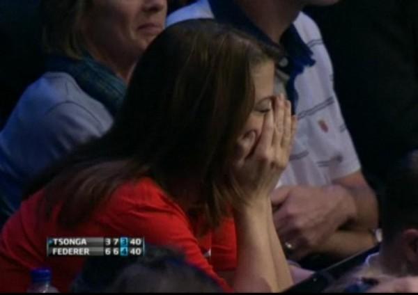 Roger Federer fan nervous face in hands despair worried pictures photos screencaps images