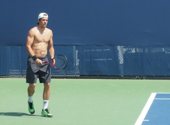 Tommy Haas stare shirtless naked practice Western and Southern Open photos Cincy