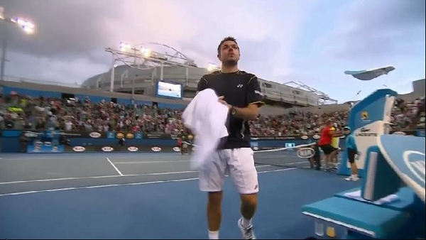 Stan Wawrinka Australian Open Margaret Court Arena clouds in background atmosphere photos pictures images screencaps