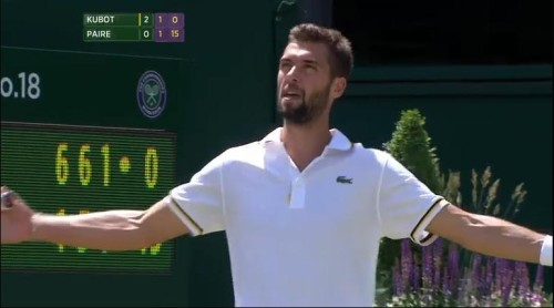 Benoit Paire, arms outstretched forlorn confused loss to Kubot Wimby 2013 pics