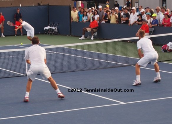 Stan Wawrinka Jarkko Nieminen volleying doubles match hot ass gorgeous bum pictures photos