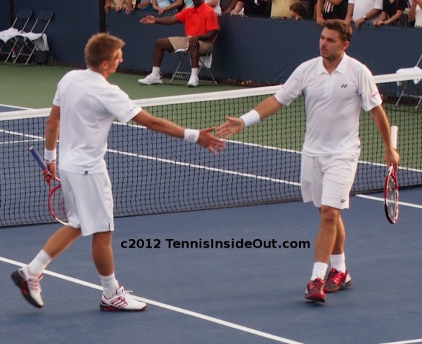 Wawrinka and Nieminen hand slap low five handshake doubles Cincinatti pics